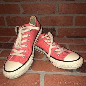 ⬇️🔥 Cute Converse Hot Pink Sneakers